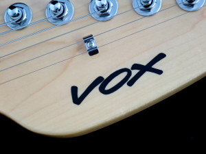 Vox Mark III – headstock logo